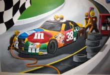 Racing car mural in boy's bedroom
